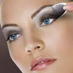 How To: One-Step Smokey Eye