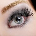 How to: Applying False Eyelashes